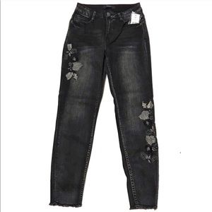 🌈40%OFF EMBROIDERED SKINNY ANKLE BLACK